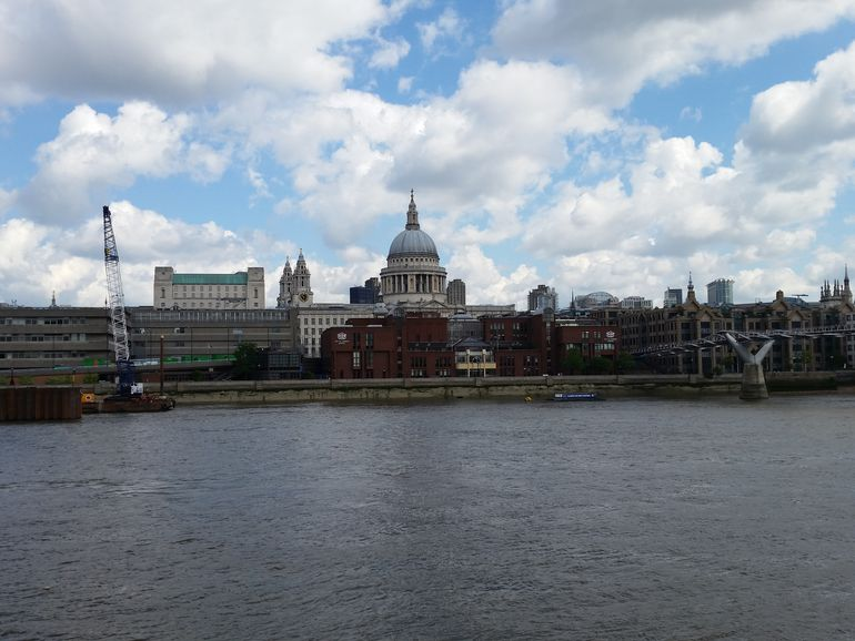 st-pauls-k-zoom-s5-compare.jpg